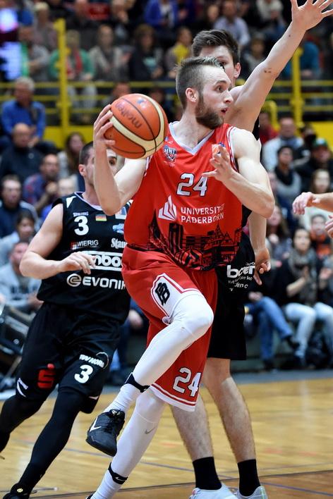 Für Matt Vest und die Uni Baskets ist das Spiel am Samstag ein must-win. (Foto: Ulrich Petzold)