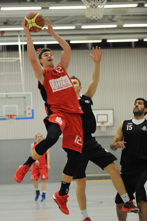 Luca Kahl (24 Punkte, 10 Rebounds)