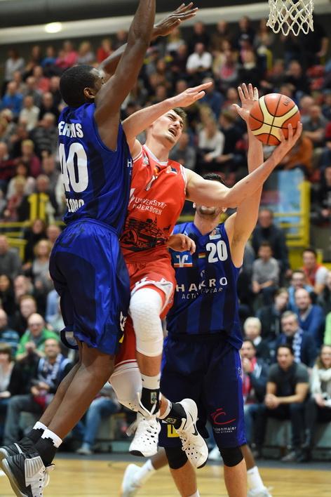 Zum Auftakt gegen die Merlins: Phillip Daubner und die Uni Baskets. (Foto: Ulrich Petzold)