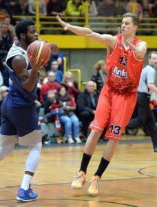 Auf den hundertprozentigen Einsatz von Eike Kerfs können sich die Baskets-Fans auch im kommenden Jahr freuen