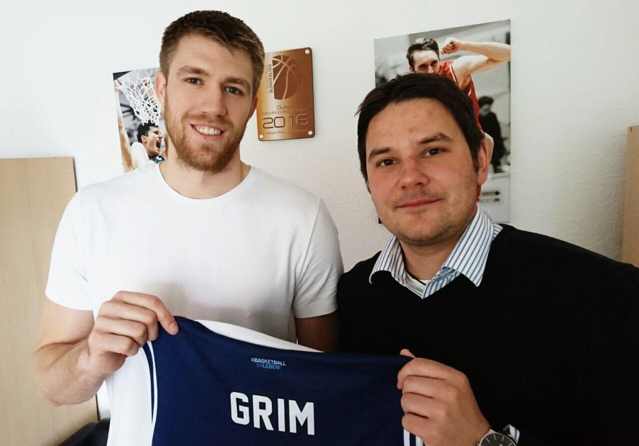 Morgan Grim und Dominik Meyer freuen sich auf die fünfte Saison des Kapitäns.