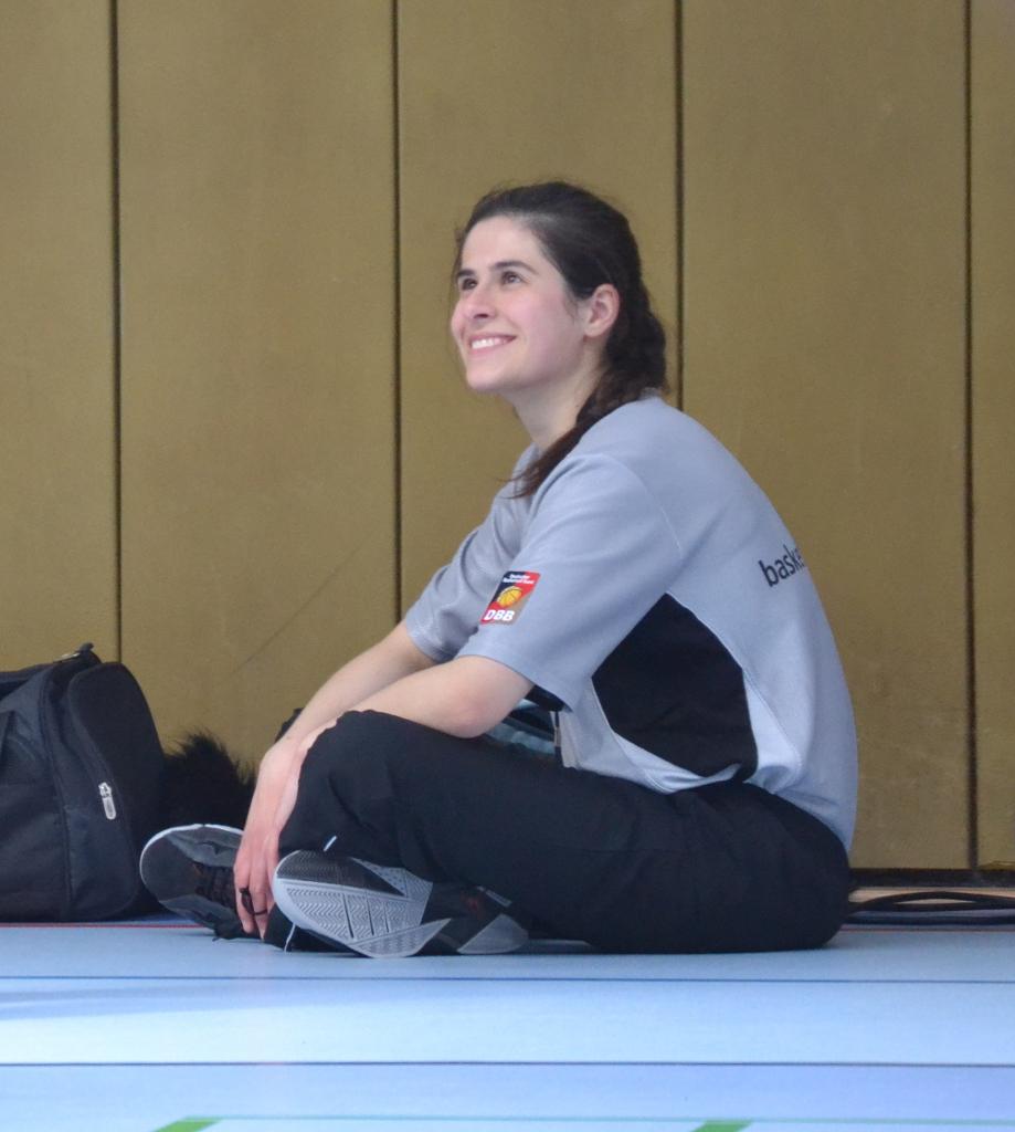 Schiedsrichter Sabina Carovac