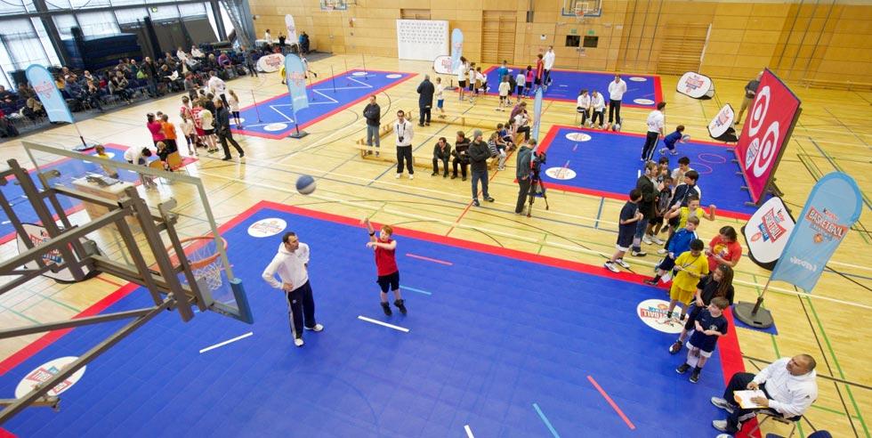 Ein Parcour der kinder+Sport Basketball Academy